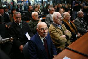 Videla y Bignone en un juicio anterior por crímenes de lesa humanidad.
