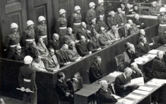 Miles de nazis fueron llevados a juicio. Los crímenes no prescriben.