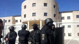 Los policías están acuartelados desde el lunes pasado.