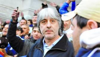 Di Zeo fue acompañado por barras a Tribunales.