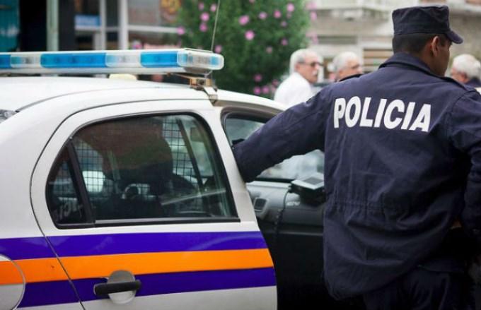 Los policías fueron detenidos.