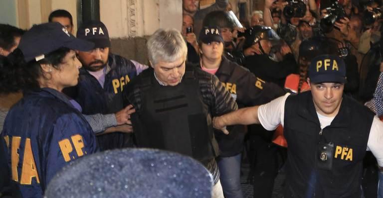 Baez está preso desde abril.
