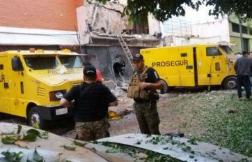 En el robo hubo explosivos y armas de alto calibre.