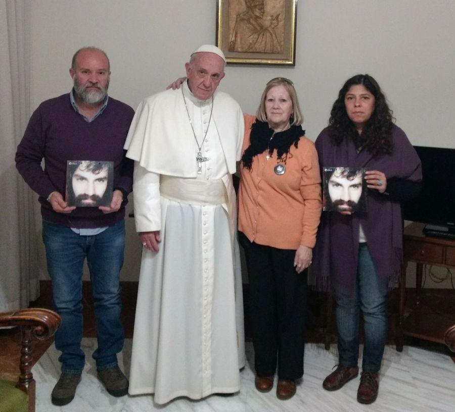 Francisco con la familia Maldonado.