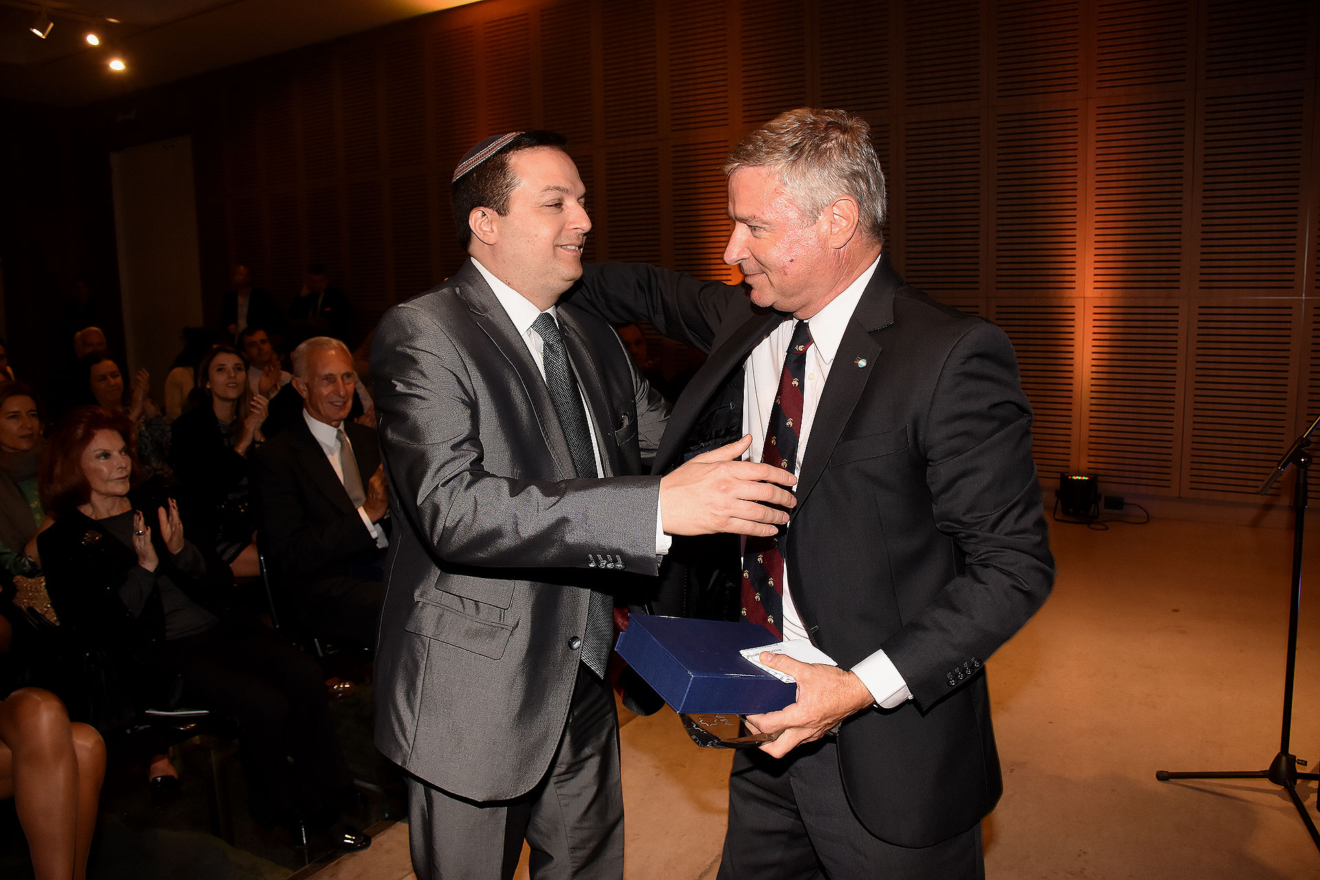 Julio Saguier con Cohen Sabban, ex presidente de la DAIA.