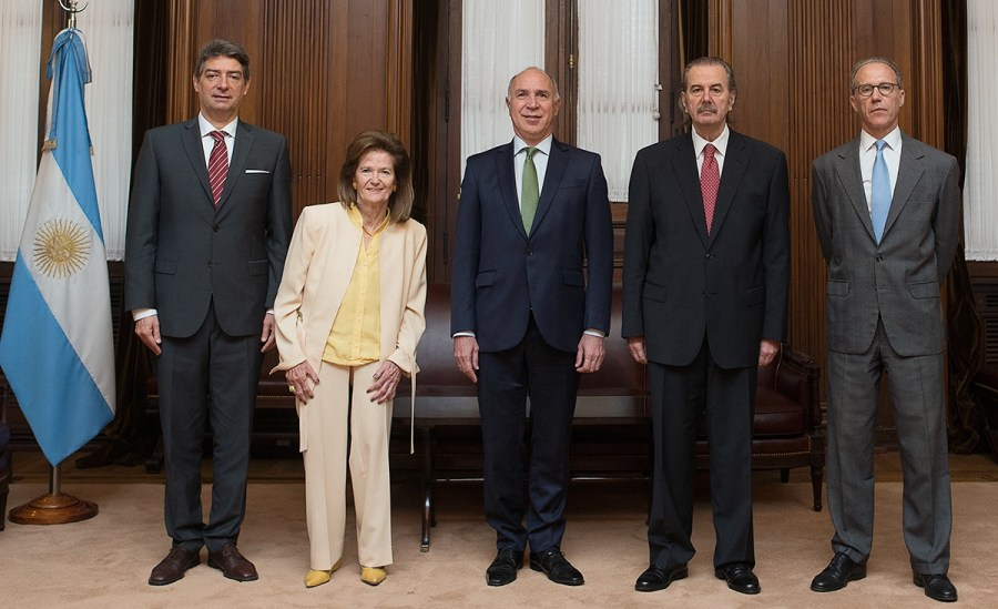 Todos los integrantes de la Corte.