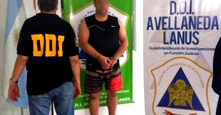 El acusado, después del arresto.