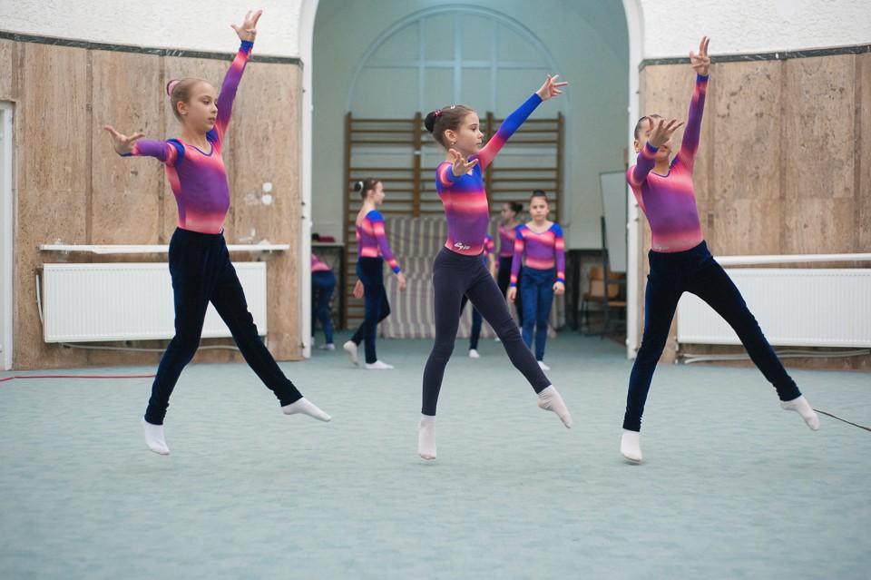 antrenament junioare gimnastica 42