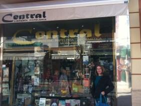 Lectores de Perdidos Libreria Central_Chipiona escaparate2 (Perdidos Club Bilderberg)