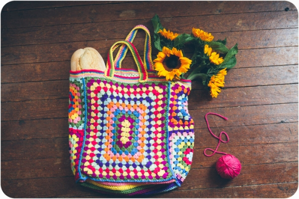 Free Pattern - Granny Square Fashion Tote Crochet CraftGossip ...