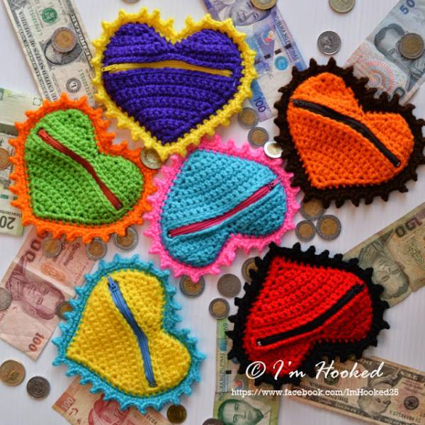 crochet_heart_coin_purse