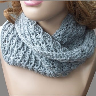 Crochet Patterns For Cowl : Cross-Over Long DC Cowl ~ FREE Crochet Pattern