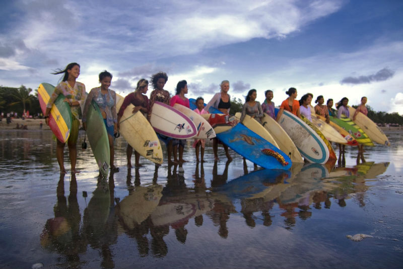 surf-girls-indonesia