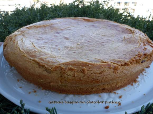 Gâteau basque au chocolat praliné P1020119