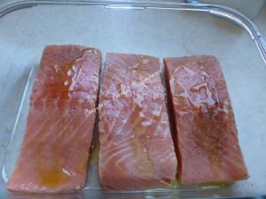 Saumon à l'aigre-douce, mangue et sauce curcuma P1020114