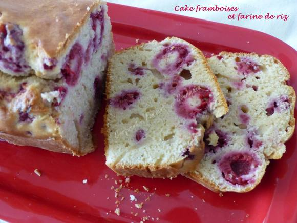 Cake framboises et farine de riz P1020909