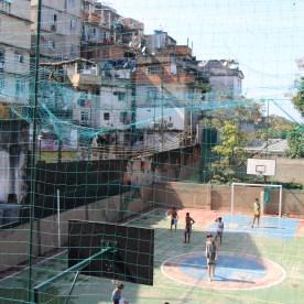 Die Favela wird mittlerweile von der Polizei kontrolliert. Früher dominierten Drogengangs das Viertel.