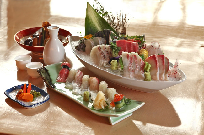 sushi-sashimi-japan