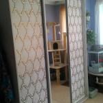 Шкаф-купе с орнаментом, эмаль, патина
