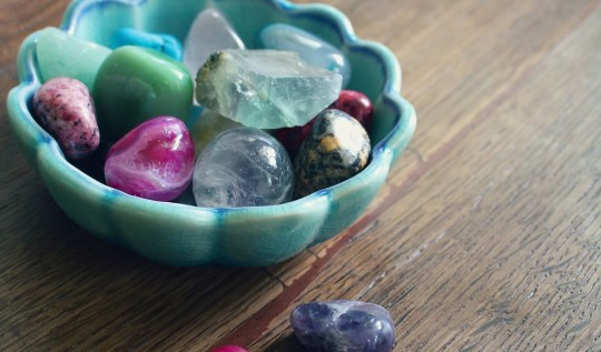 cristales y zodiaco