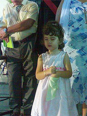 En medio del esplendido culto de graduación la oración de mi pequeña niña