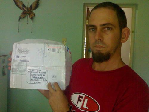 Frente del paquete envíado por luis Bernal