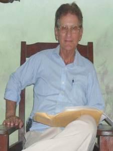 Prof. Amador Blanco Hernández. Radicado en Caibarién, Villa Clara. Excluido en 1982 de la Universsidad Central de las Villas. Puede establecerse comunicación con él a su móvil +5358333660 . Participa actualmente desde las redes sociales en Cuba con su blog: ALAS DE LIBERTAD, y su cuenta twitter @amadordlibertad