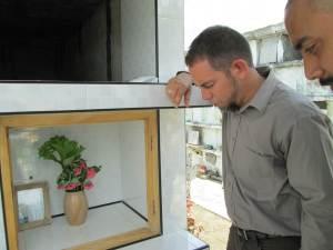Antes de viajar a USA fui a orar con @DOmnibus junto a la tumba de Harold Cepero en #Chambas #Cuba.