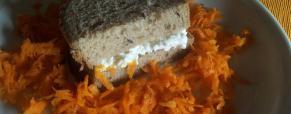 Pan bauletto con fiocchi di latte e carotine