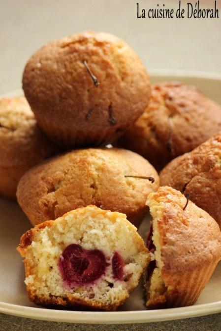 Muffins cerises, chocolat blanc et pistaches   Cuisine de Deborah