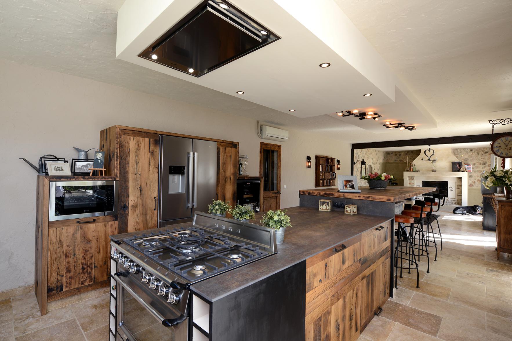 cuisine esprit industriel. Black Bedroom Furniture Sets. Home Design Ideas