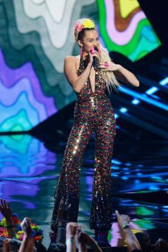 Miley 2 culturageek.com.ar