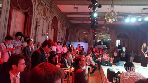Huawei argentina hotel alvear Dios salve la reina culturageek.com.ar