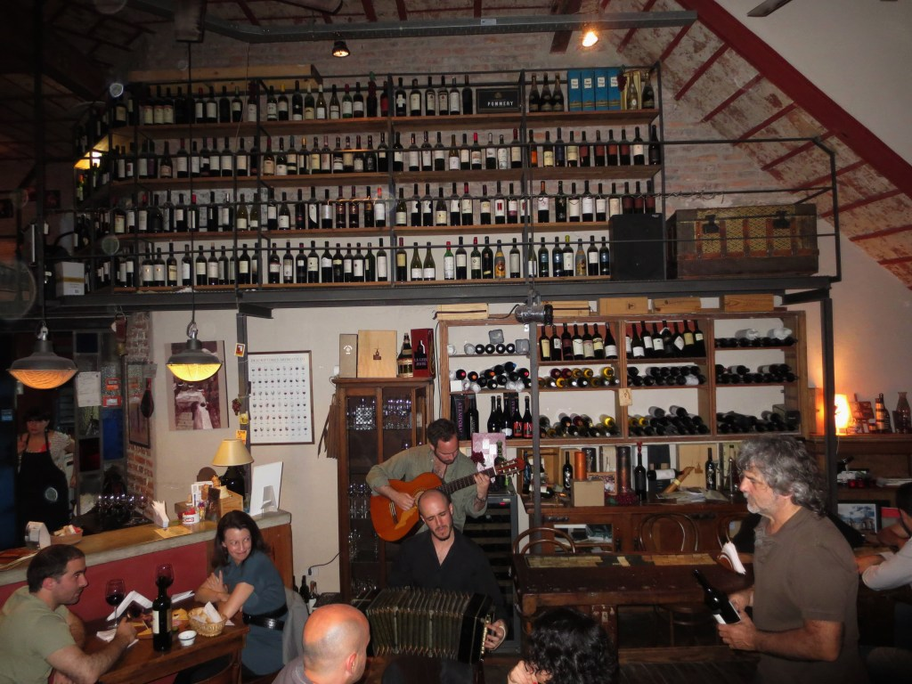 Live music at Cava Jufré, Buenos Aires, Argentina