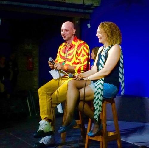 Com a Luciana Genro, na mais recente edição do Bob Pop Show. Foto: Reprodução Facebook.