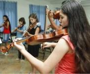 Instituto Popular de Arte e Educação_Oly Jr._aulas de música_música e educação