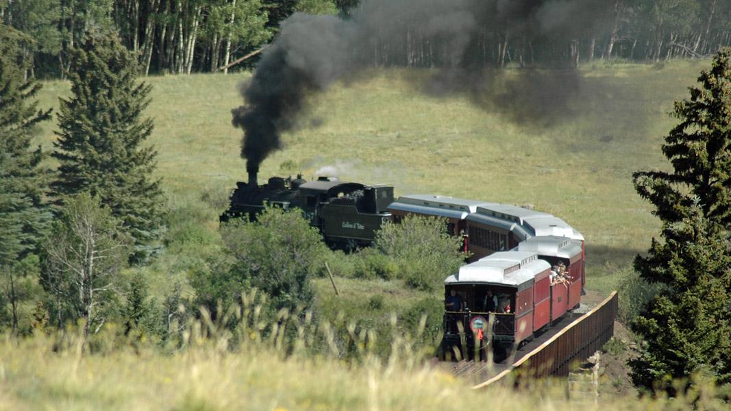 scenery-slideshow-short-train
