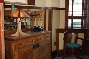 Craftsman style furnishings