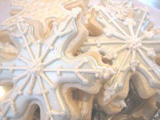 pearlized snowflake cookies 2