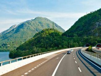 Consejos para Viajar Seguro y Ahorrar en la Operación Salida
