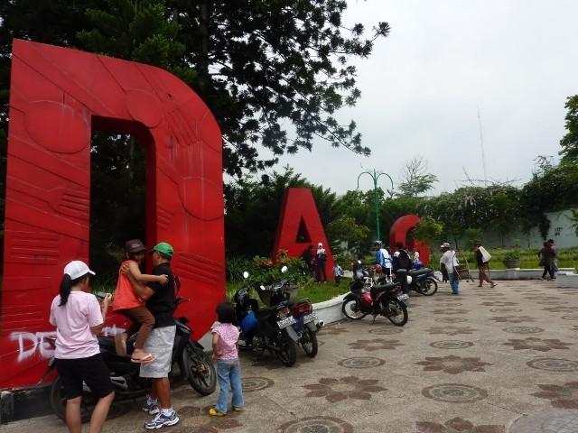 Jalan Dago in Bandung