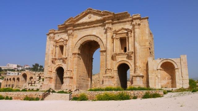 hadrians arch, jordan, amman, jerash