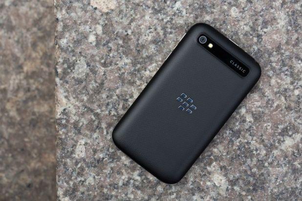 blackberry-classic-6.jpg?resize=618%2C41