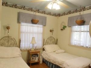 Beaver Lake Vacation Rental Cottage Garden Bedroom