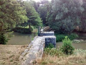 Une des premières écluses du versant Loire.