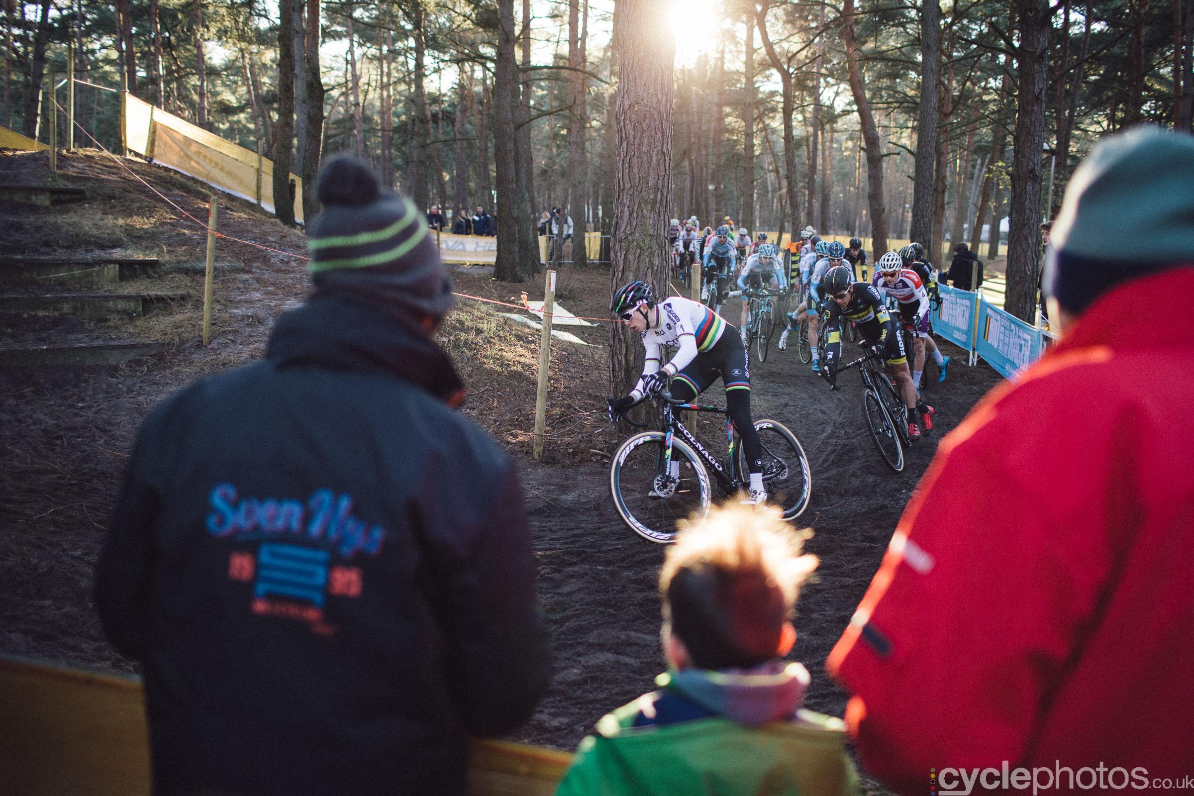 2016-cyclocross-zilvermeercross-mol-150043-wout-van-aert