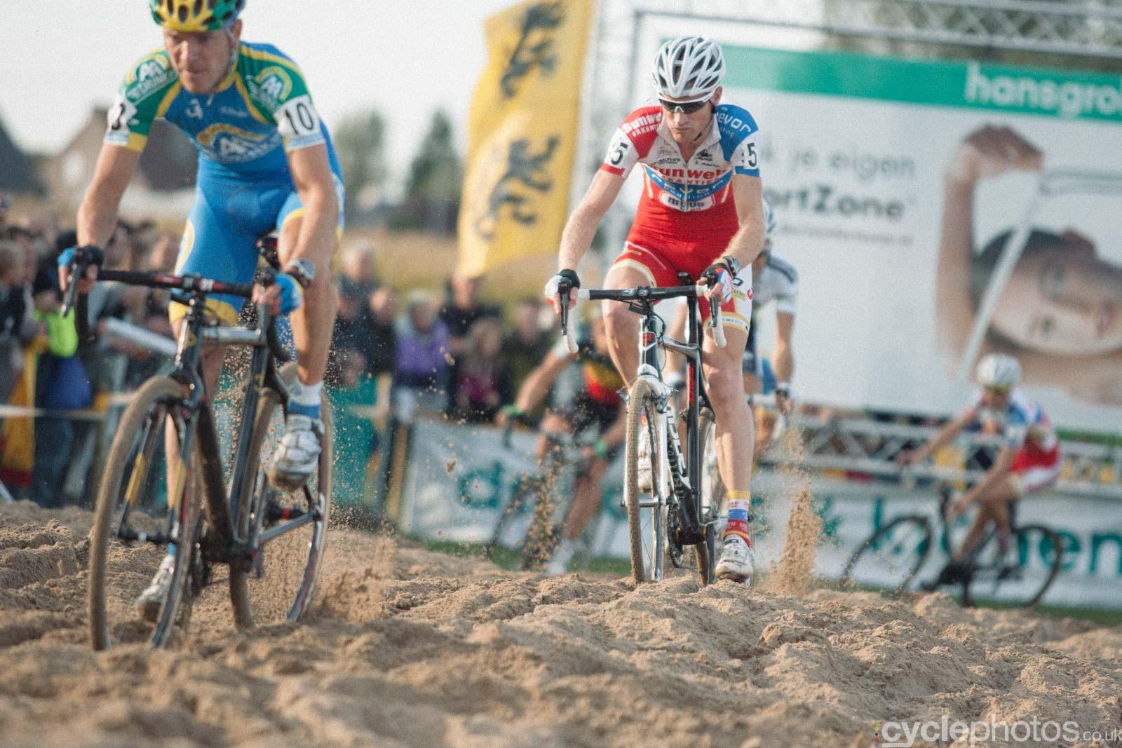 2012-cyclephotos-cyclocross-ruddervoorde-163303-klaas-vantornout