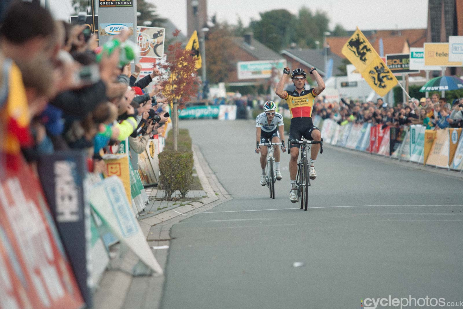 2012-cyclephotos-cyclocross-ruddervoorde-172540-sven-nys