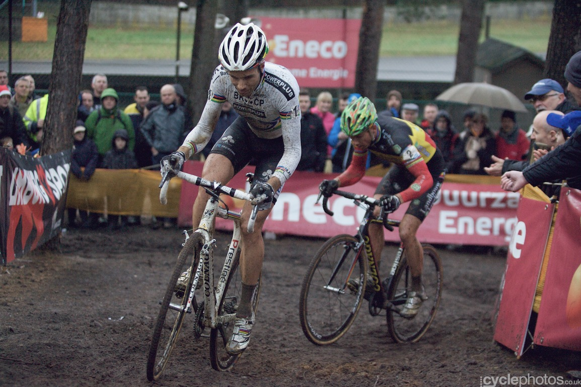 Niels Albert leads in front of Sven Nys