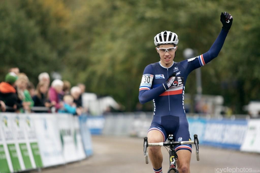 Lucas Dubau wins the first junior World Cup race in Valkenburg